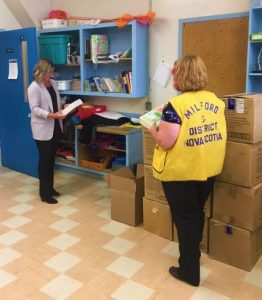 Lion delivers grief kits to school.